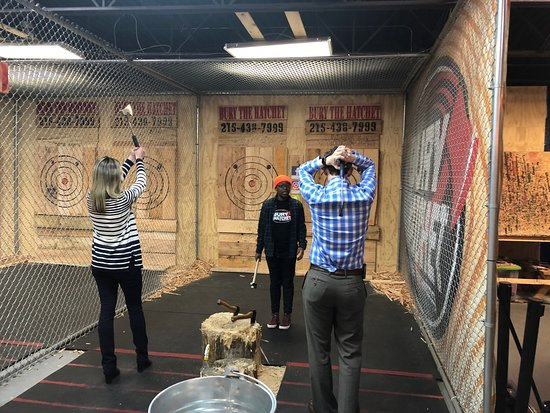 Bury The Hatchet Philadelphia - Axe Throwing