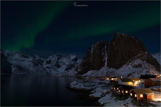 Hamnoy, Noorwegen: Polarlichter in Hamnøy bei unserem Resort Eliassen Rorbuer. Ein sicherlich unvergessliches Erlebnis