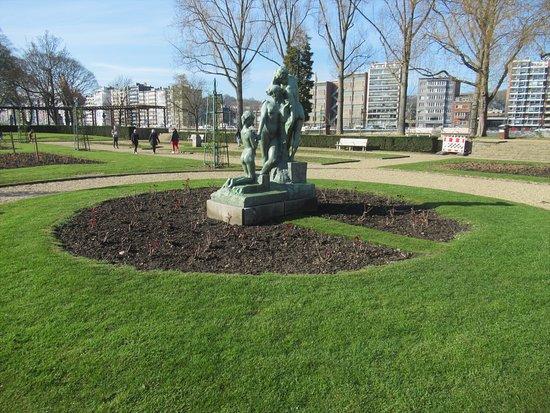 Statue La Toilette