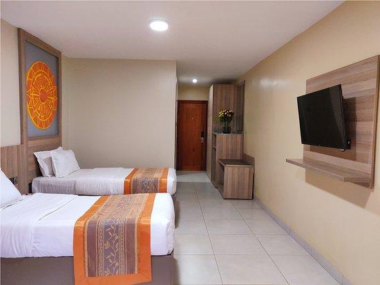 Fairway Hotel Photo