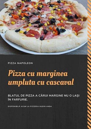pizza cu marginea umpluta cu cascaval