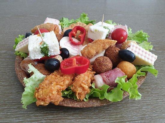 dishes in an edible glass platou zalau comanda platou proaspat
