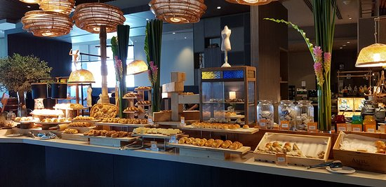 all kinds of bakery