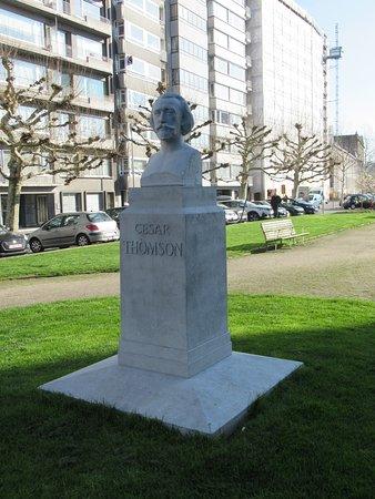 Buste de Cesar Thomson