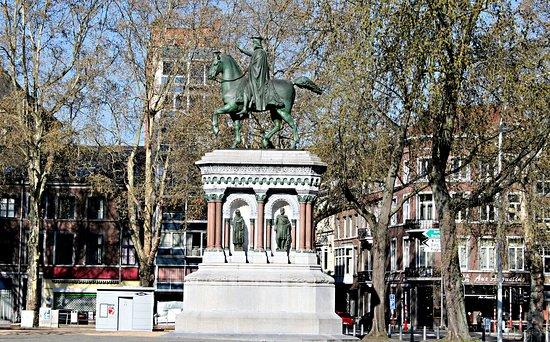 Statue equestre de Charlemagne