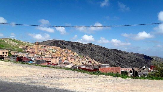 Moulay Brahim, Marruecos: Ein Ausflugsort der Marrokaner, bei dem man als Tourist wohlgelitten, aber die exotische Ausnahme ist.