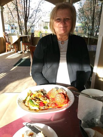 Dolce Vita Italian Restaurant: One CAN dine just fine here if you want to be gluten free!