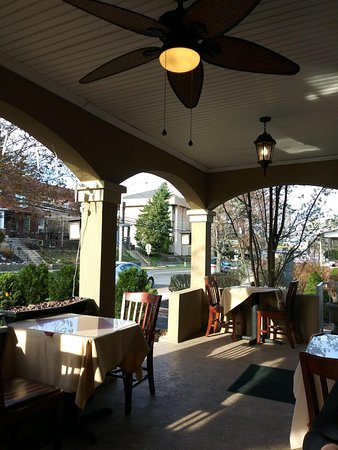 Dolce Vita Italian Restaurant: It IS front porch dining season once again! Soooooo excited!!