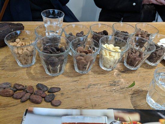 Food Walking Tour of The Hague: Chocolate tasting sample anyone?