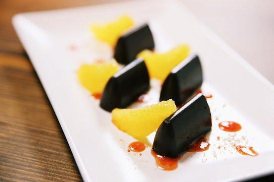 La Tere Gastrobar: Lingotes De Chocolate con Salsa de Naranja y Medias lunas de Naranja