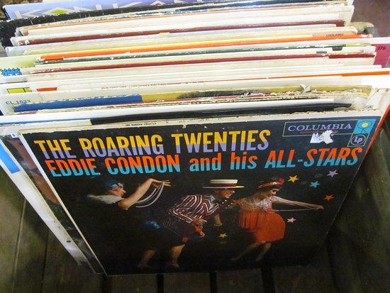 Brooklyn, WI: LP Record Albums.