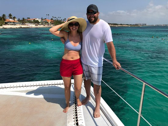 Sailing and Snorkeling on Aruba. Relax, sail and snorkel...today!!! Relax and have a good time is what we do at Octopus Aruba. If you want to experience a wonderful day on the water then join us on one of our excursions. You can contact us directly on 00297 – 560 6565. We would like to welcome you on board.
