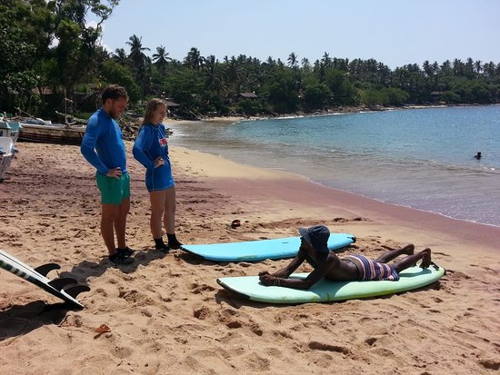 Bay Tour Surf School: Doing surf class for lovely couple in little surf paradise .... come and enjoy with us