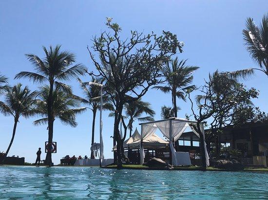 The Samaya Bali Seminyak: Beautiful daybeds