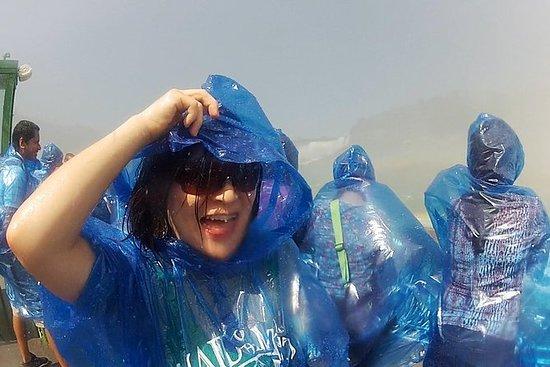 乘坐迷雾少女号,开始美国一侧的尼亚加拉瀑布之旅