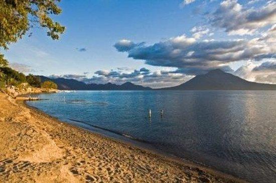 Croisière touristique du lac Atitlán avec transport depuis la ville...