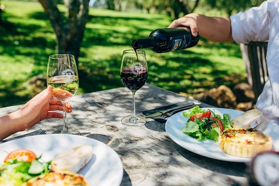 Food and Wine-Tasting Tour of Waiheke...