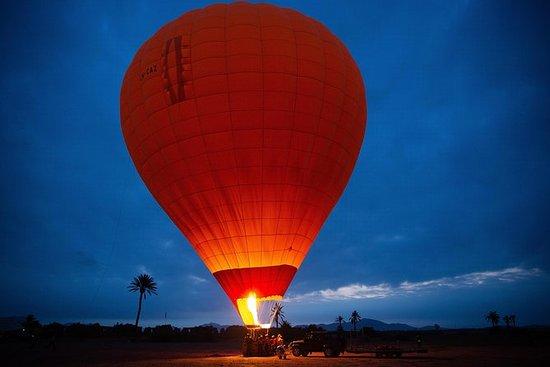 Vol en montgolfière au-dessus des...