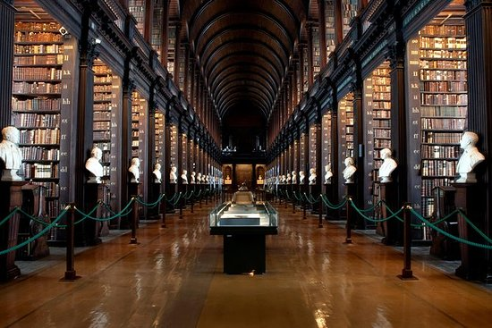 Book of Kells Early Access Tour med...