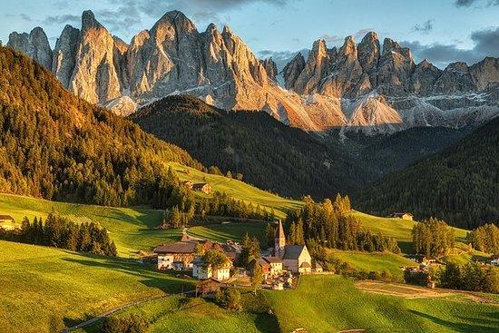 Ganztägige Tour in die Dolomiten ab...