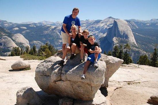 Caminata con la familia en Yosemite