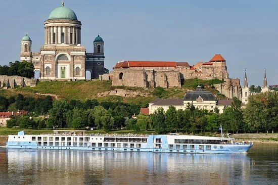 Budapest Danube Bend Private Full-Day...