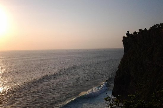Atardecer en Uluwatu Temple and Spa Tour