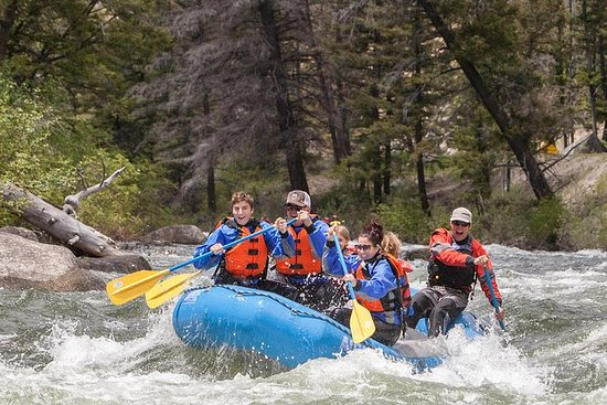 Meio dia de aventura guiada de rafting: Half-Day Guided Rafting Adventure