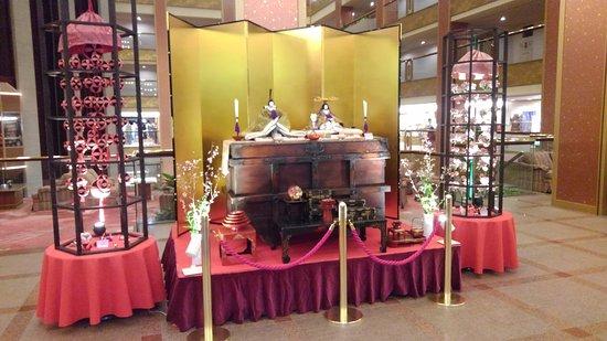丁度 ひな祭りの時に宿泊 館内12か所に、鬼怒川温泉 あさやの歴代のひな飾り が飾られてました