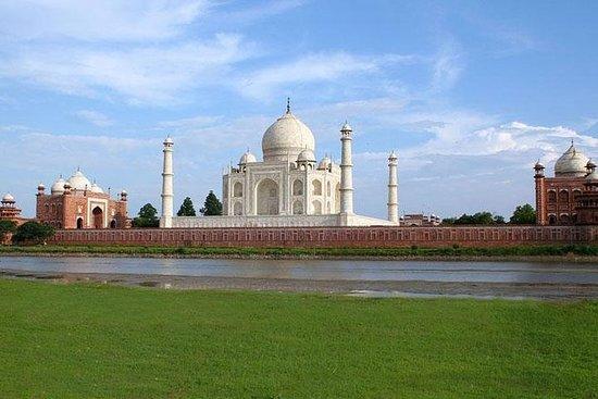 日出的泰姬陵和德里的阿格拉日游览之旅