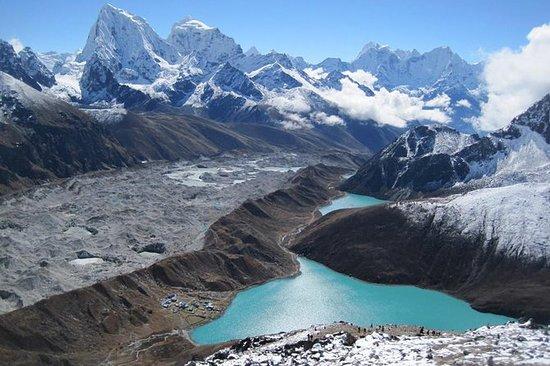 Everest Gokyo Valley Trek 11 Days