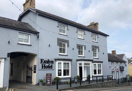 Emlyn Hotel