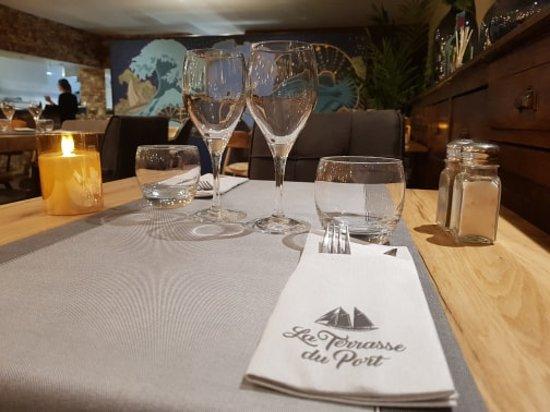 Marine de Saint Ambroggio, Francja: Petite table pour deux....