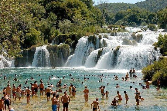 * Besuchen Sie Krka Wasserfälle und...
