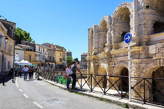 Vieille ville classique d'Arles, de...
