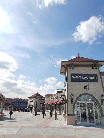 c0c465d7cef1 Woodbury Common Premium Outlets (Central Valley) - 2019 All You Need ...