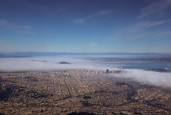 United Airlines: UA1107 SFO-PHX A320 FC Seat 2F - Fog on San Francisco Bay and Over The Peninsula
