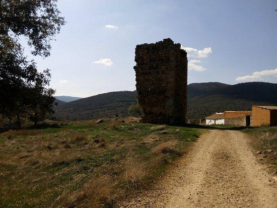 Hontanar, España: resto de torre de defensa