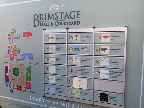Brimstage, UK: Businesses in the units. All bar 1 closed