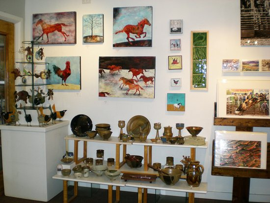 Artists' Shop gallery of art & fine craft