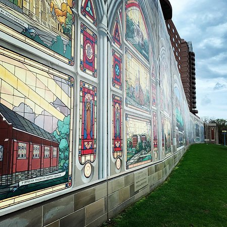 Roebling Murals on the Floodwalls of Covington, KY