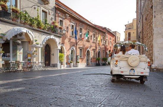 Taormina Ape Tour by Ape Calesse