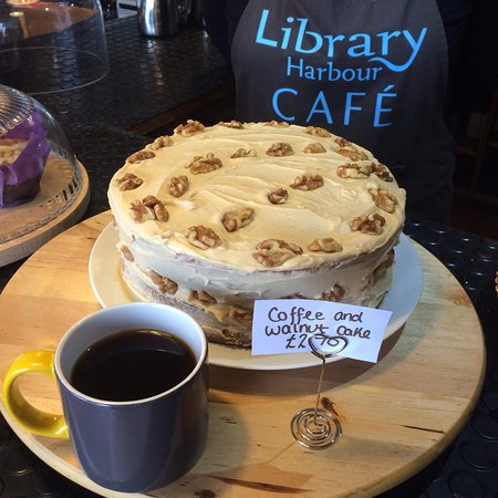 Fabulous cake in a great location. Books to read and vinyl you can choose!