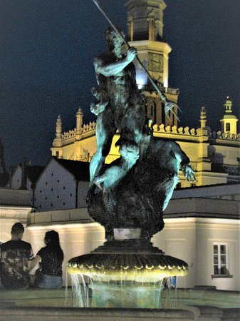 Fountain of Neptune - Picture No. 8 - By israroz (August 2018)