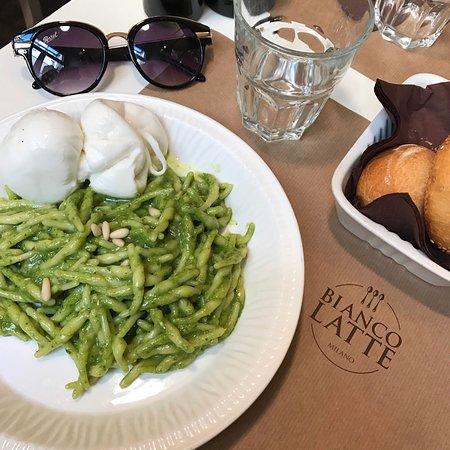 Bianco Latte, Milano - Porta Nuova - Ristorante Recensioni, Numero ...