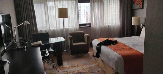 Decent business hotel but far from MRT