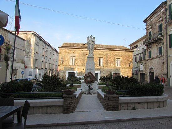 Piazza Caprioli
