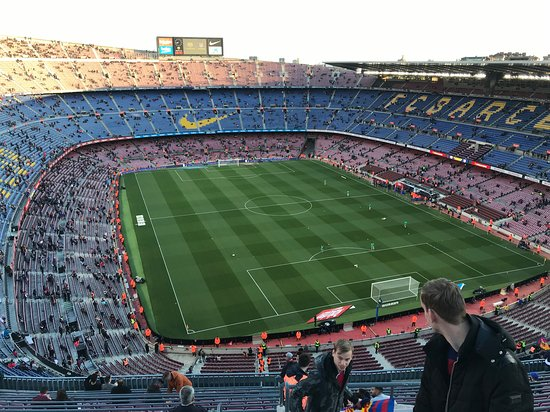 ‪Estadio Nou Camp‬