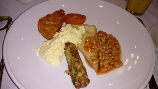 Veggie breakfast - small and hardly looks appetising. One veggie sausage made of vegetables - why not quorn? Plenty of alternatives about...