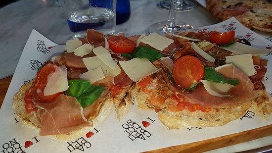 Cappuccino Grand Cafe: Bruschetta